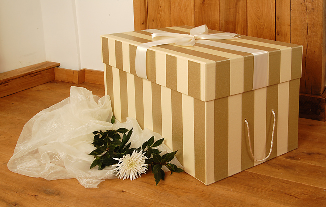 the empty box company | cajas para vestidos de novia